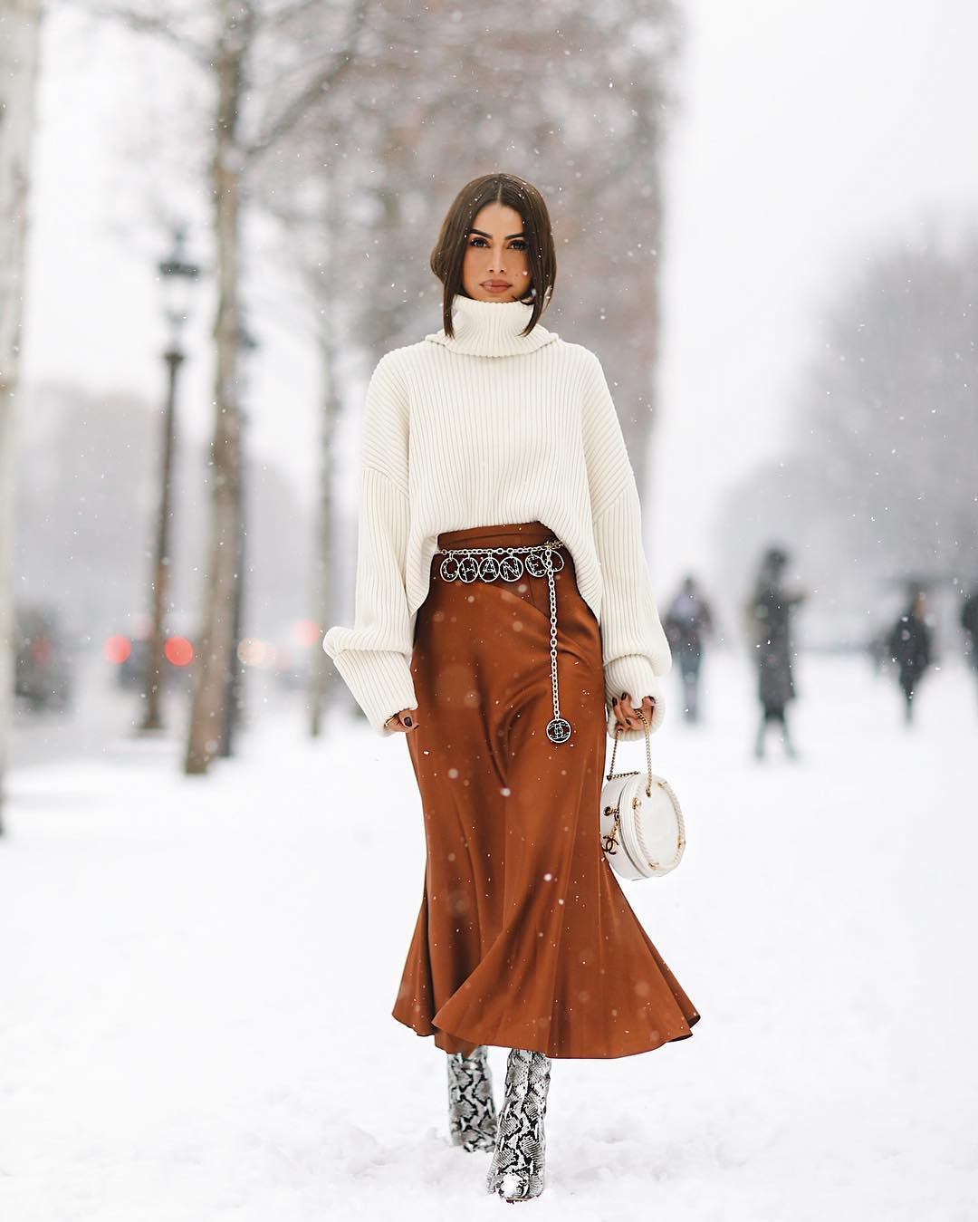 THE SNOW QUEENS FROM THE STREETS OF PARIS