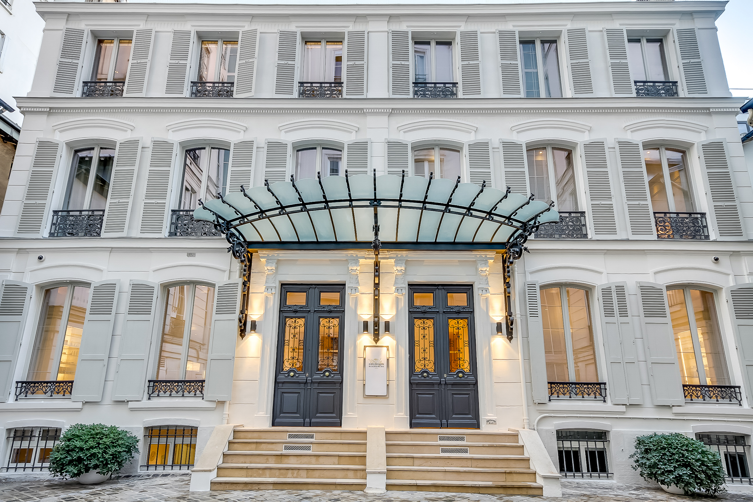 AMBASSADE DE LA BEAUTÉ – PARIS'S BEST KEPT SECRET